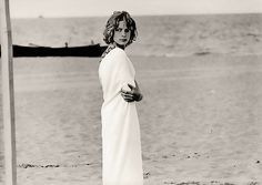 Death in Venice, directed by Visconti (1971), adapted from Thomas Mann'novel (1912). With Mahler's symphony n.5/adagietto.