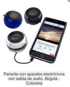 Parlante de 2.4 Watt, Altavoz Móvil se Puede Utilizar con Tabletas, Smartphones, MP3 y casi Todo Tipo de Dispositivos con una Salida de Audio. Diseño Expandible para Mejor Sonido. Tiempo de Carga de 2 a 4 horas y Tiempo de Funcionamiento de 2 a 4 horas.  Tipo de Producto: IMPORTADO. Medidas: 3.8 cm alto x 5.2 cm diámetro. Área de Marca: 3.5 cm ancho. Técnica de Marca: Tampografía. Colores Disponibles: Azul, Negro y Silver
