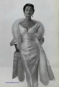 Maggy Rouff, 1953. #VintageStole #WeddingAccessory #BridalAccessory Read blogpost at http://www.whitestole.com/1/post/2014/01/the-first-couturiers-and-creatures-the-stars-of-stole-elegance.html