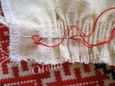 Вишивання по зборках (брижах) - Майстер-клас - Вишиванка Folk Embroidery, Cross Stitch Embroidery, Embroidery Ideas, Master Class, Crochet Stitches, Nice Tops, Smocking, Free Pattern, Traditional