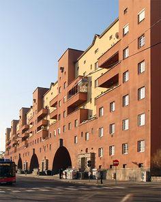 Karl Ehn - Karl Marx Hof Wien Architecture Student, Interior Architecture, Interior Design, Karl Marx, Social Housing, World War Two, Home Projects, Pond, Multi Story Building