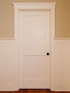 Know Your Moldings: 10 Popular Trim Styles to Spiff Up Any Space - Casing and Door Casing Styles Effektive Bilder, die wir über diy face mask sewing pattern with fil - Farmhouse Interior Doors, Interior Door Trim, Interior Door Styles, White Interior Doors, Craftsman Interior, Eltham Palace, Farmhouse Light Fixtures, Farmhouse Lighting, Door Molding