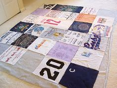 super easy t-shirt quilt tutorial... :)