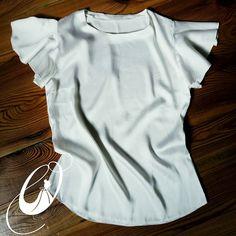 """""""Когда я красивая - я более уверена в себе! """" О. В. Ефименко   Иногда, не всем удается выглядеть модно, и в тоже время интелигентно. Но наша шелковая  блуза в не конкуренции! Это сочетание нежнейшей  натуральной ткани и современного подхода к крою, + воздушные☁ рукава-крылышки. Легкость и безупречность - обязательно придадут вам уверенности в себе! #блузка #топ #byOligotte ПишитеВviber0964545606илиfacebook/Oligotte #сшитьназаказ #блузка #моднаяблузка #сшитьтоп #сшитьблузку  #блуз..."""
