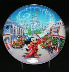 Disney World Anniversary Main Street USA Collector Plate Disney Home, Disney Art, Disney Stuff, Vintage Disney Posters, Disney Figurines, 25th Anniversary, Plates On Wall, Main Street, Framed Artwork