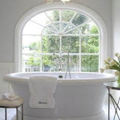bathtubs fit for two :)