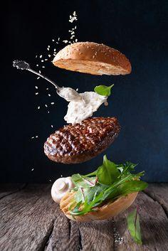 Food Menu Design, Food Poster Design, Burger Bar, Burgers, Organic Recipes, Raw Food Recipes, Food Backgrounds, Cafe Food, Food Illustrations