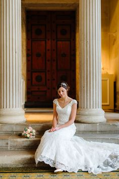 Lucy and James's classic Bedfordshire wedding with an art deco vibe, by Aaron Collett Photography