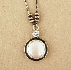 j & i Jewelry - Pearl Pendant with CZ