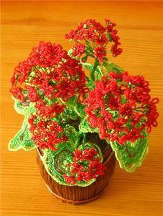 "flower gifts: ""pelargonium"" beads"