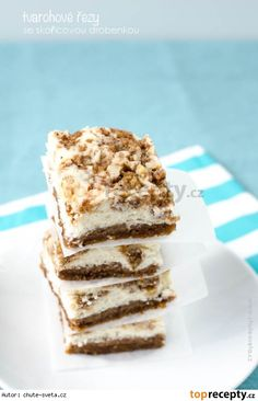 Tvarohové řezy se skořicovou drobenkou Czech Recipes, Ethnic Recipes, Bread Bar, Sweet And Salty, Delicious Desserts, Good Food, Food And Drink, Cooking Recipes, Sweets
