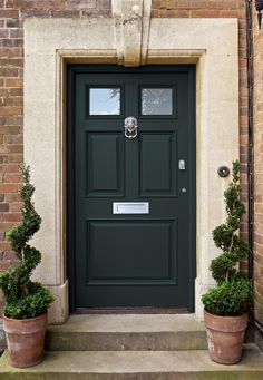 Farrow & Ball Exteriors Photography. Door: Studio Green Exterior Eggshell No, 93