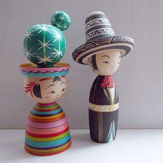 Mexicokeshi! Works by Hiraga Teruyuki (left) and Shida Kikuhiro (right).