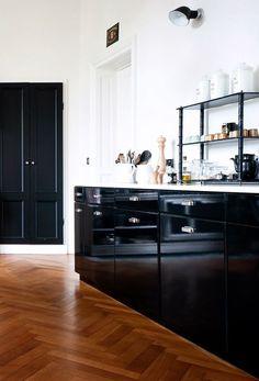 Kitchen. Photo via Mad & Bolig.
