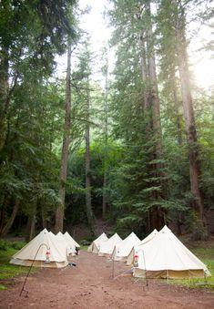 Northern California glamping wedding | Photo by Jen Siska | Read more - http://www.100layercake.com/blog/?p=69475