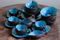 For many years, pottery has played an integral role in society, with many people collecting and making their own different variety. In some cases, ancient pottery has been sold for thousands, if no… Ceramic Plates, Ceramic Pottery, Pottery Art, Ceramic Art, Cerámica Ideas, Keramik Design, Ceramics Projects, Pottery Designs, Diy Clay