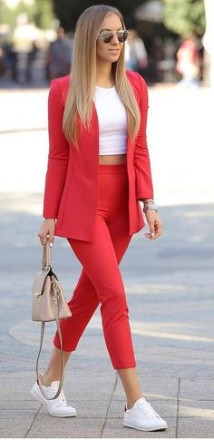 Pretty trendy women's blazer 2018 – My Casual Outfit Ideas Cozy Winter Outfits, Summer Work Outfits, Casual Fall Outfits, Classy Outfits, Chic Outfits, Fashion Outfits, Dress Outfits, Fashion Clothes, Blazer Outfits