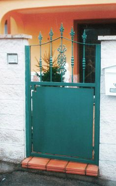puerta de una hoja en acero http://www.tallereslobon.com/