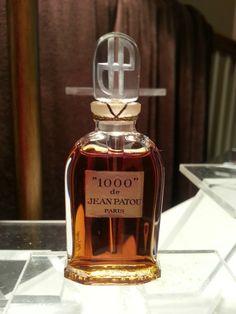 "Vintage ""1000"" de Jean Patou Perfume Bottle"
