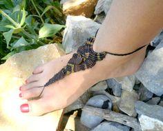 Barefoot / Bijoux de pied ethnique en macramé marron avec perles de bois Bijoux par stonanka