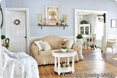 Featuring Town & Country Living by Jennifer Zuri Have you ever viewed photos of a home and instantly felt you wanted to uproot all your decor and to change over to a whole new cottage decor? I certainly did when I saw Jennifer's post on Hometalk…I was scrolling along, minding my own business when these ... Read More about  Farmhouse Cottage Style