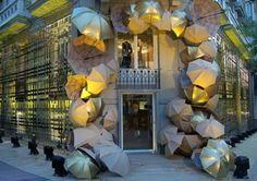 """GLOBAL+WINDOW-DISPLAY+SHOW+compiled+by+Exhibo+:+BURBERRY,+Madrid. Openning,+25/11/2006 C/Ortega+y+Gasset,+8.+Madrid. <A+HREF=""""http://www.burberry.com/""""+TARGET=_top>http://www.burberry.com/   La+marca+británica+Burberry,+fundada+en+1856,+y+especialmente+conocida+por+sus+típicos+cuadros,+sigue+ganando+posiciones+en+España.+Tras+la+apertura+de+su+primera+tienda+en+el+país,+en+el+oto&nti"""