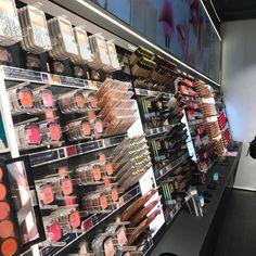 Paradis de make-up addict!!! #loreal #caumartin #paris #beautytube #youtube @lorealmakeup @lorealfrance @youtube http://themouse.org