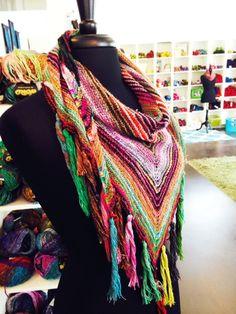 Lucky Ewe Yarn - Home  Knitting Kits available at www.luckyeweyarn.com!