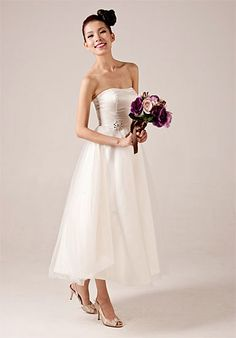 Lovely Strapless Tea-Length Wedding Dress  Read More:     http://www.weddingsred.com/index.php?r=lovely-strapless-tea-length-wedding-dress.html
