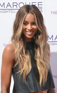 Wer richtig dunkle Haare hat wie Sängerin Ciara traut sich nur selten an…