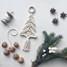 macrame plant hanger+macrame+macrame wall hanging+macrame patterns+macrame projects+macrame diy+macrame knots+macrame plant hanger diy+TWOME I Macrame & Natural Dyer Maker & Educator+MangoAndMore macrame studio Macrame Art, Macrame Design, Macrame Projects, Macrame Knots, Knit Christmas Ornaments, Christmas Knitting, Christmas Crafts, Crochet Christmas, Macrame Patterns