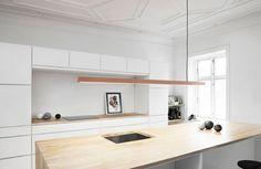 Anour I Pendel Børstet Kobber - Køb her! Kitchen Interior, Room Interior, Interior Design Living Room, Kitchen Design, Interior Lighting, Lounge Lighting, Kitchen Ideas, Linear Pendant Lighting, Copper Lighting