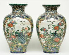 Veilinghuis Carlo Bonte, since 1932 | A pair of impressive Samson vases, decorated with peacocks, dragons and a landscape, 19thC, H 62 cm