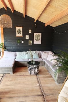 Binnenkijken bij marlou_ff Outdoor Sectional Sofa, Home, Paint Colors For Living Room, Outdoor Rooms, House Inspiration, New Homes, Home Deco, Interior Design Living Room, Home And Living
