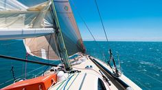 Sailing to the Withsunday Islands, Queensland, Australia. Queensland Australia, Sailboat, Continents, Backpacking, New Zealand, Islands, Travel Inspiration, Travelling, Sailing