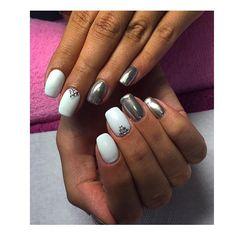 WEBSTA @ aistesnaguciustudija - 😍#whitenails #cromenails #gelmanicure #gelpolish #nailart #nails #naildesigns #geldesign #swarowski #aistesnaguciustudija