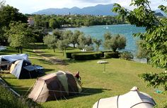 Camping with a beach on Lago di Garda: the campsite with pitches for tents in Manerba del Garda | Camping Village San Giorgio
