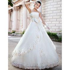 Style Superb Organza Ball Gown Strapless Chinese Wedding Dress by CBG. Wedding Dresses Under 100, Wholesale Wedding Dresses, Cheap Wedding Dresses Online, Colored Wedding Dresses, Tulle En Satin, Bridal Gowns, Wedding Gowns, Gown Pictures, One Shoulder Wedding Dress