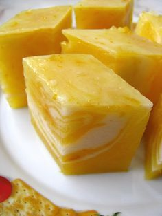 Frankly, I really adored the sunshine colour of pumpkin. After making the last batch of pumpkin kuih . yet the result isn& really sati. Asian Snacks, Asian Desserts, Sweet Desserts, Chinese Desserts, Filipino Desserts, Bakery Recipes, Snack Recipes, Dessert Recipes, Cooking Recipes
