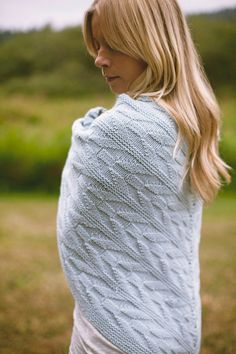 Onward Modern Arrow Chevron Reversible Easy Shawl by VERYSHANNON. just love this pattern; classic and modern.