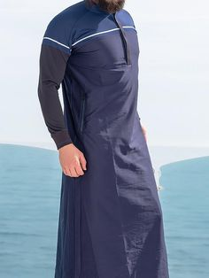 QL CL Lightweight Thobe Kameez with long sleeves in Blue Fashion 2020, Urban Fashion, Mens Fashion, Jubbah Men, Boys Kurta Design, Kurta Style, Mens Kurta Designs, Muslim Men, Islamic Clothing