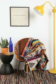 Joli mélange coloré avec du vintage, du Navajo mais aussi de l'industriel ...