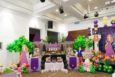 Rapunzel + Tangled themed birthday party with So Many Cute Ideas via Kara's… Rapunzel Birthday Party, Princess Theme Party, Baby Birthday, Birthday Party Themes, Rapunzel Tangled Movie, Tangled Princess, Tangled Party, Cake Games, Party Planning
