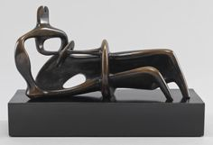 Henry Moore OM, CH 'Reclining Figure', 1939, cast 1959 © The Henry Moore Foundation. All Rights Reserved