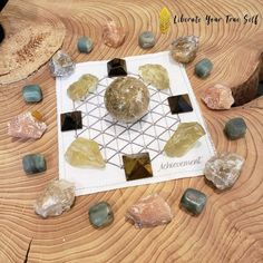 How to create a crystal grid - Liberate Your True Self Crystal Grid, Clear Quartz Crystal, Organization Of Life, Crystals For Wealth, Meaning Of Wealth, Earn More Money, Crystals And Gemstones, Staying Positive, Create