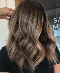 10 Stunning Golden Bronze Hair Color Highlights for 2018. If you are ready to change your Hair Color with New Cute Golden Bronze Hair Color Trends. Then see here the classic and celebrity hair color ideas. This Hair has been colored with different shades of brown and golden. This looks is very well and super stylish. we have more inspiration and trendy ideas for girls and women for 2018.