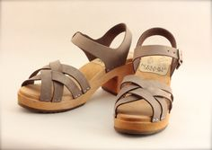 Brown grey Skåne Toffeln high heel sandals with a delicate leather texture