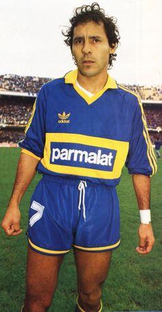 Roberto Cabañas.Campeón con Boca Juniors en Copa Master Sudamericana 1992 y Torneo Apertura 1992.