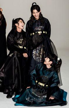 Baekhyun - 160814 SBS 'Scarlet Heart: Ryeo' website update Credit: SBS. (SBS '보보경심: 려')