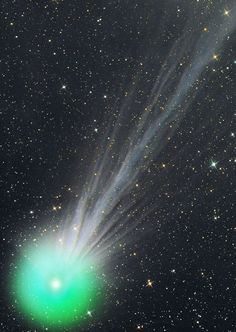 The tail of the #CometLovejoy   On January 13, while crossing the sky of the…